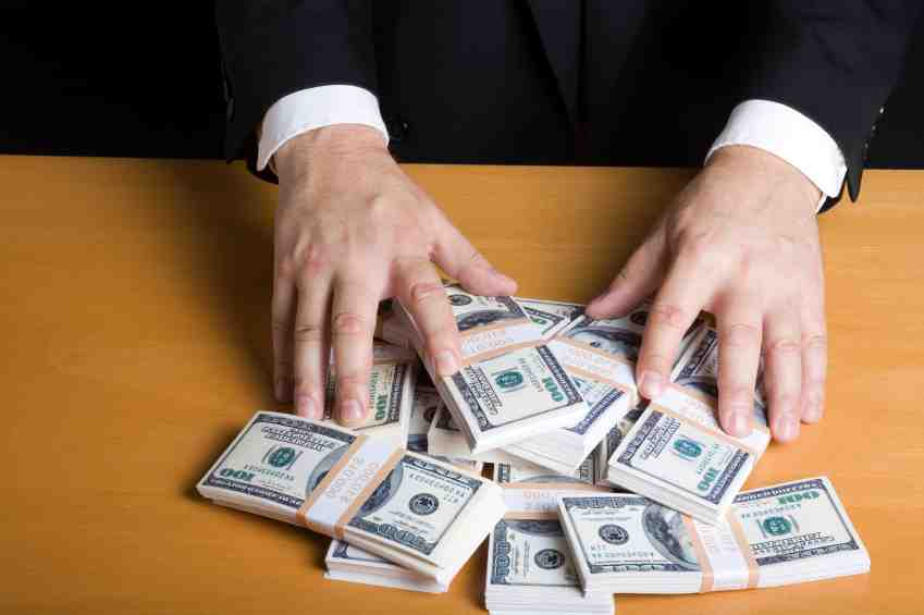 How much do recruiting agencies charge?