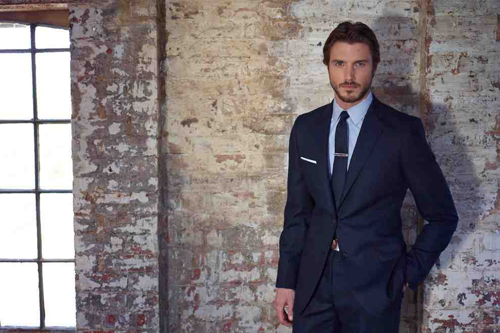 What are the basics of power dressing?