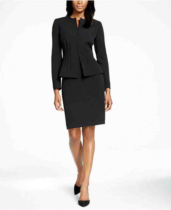 What are the elements in power dressing?