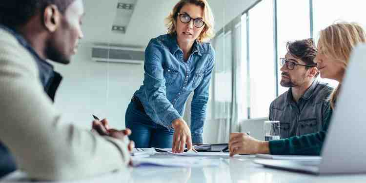 Why is emotional intelligence important in business?