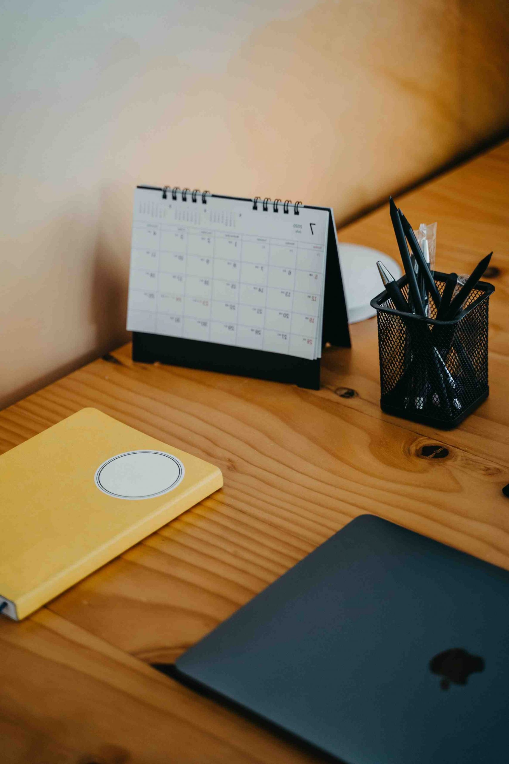 How do you answer the question how do you stay organized?